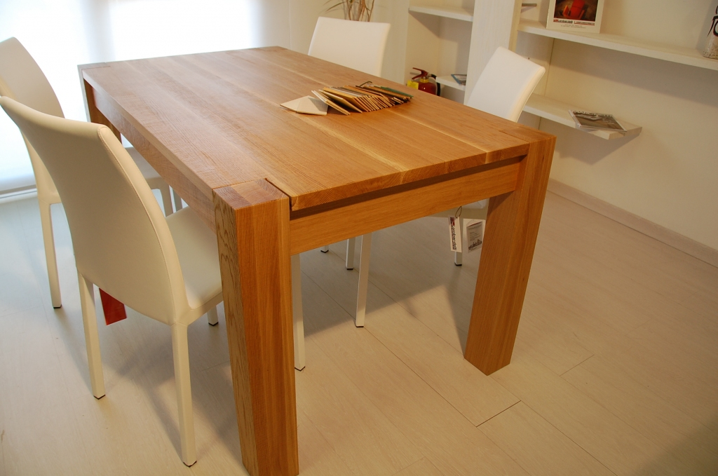 Tavolo allungabile legno massello daiki tavolo for Tavolo legno massello allungabile