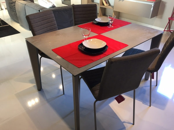 Table DIAMANTE